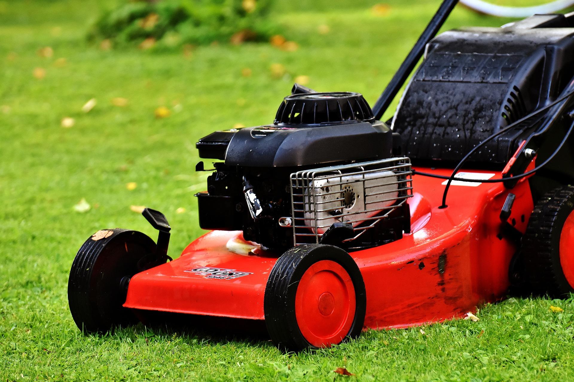 lawn-mower-2293876_1920